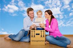 Eine glückliche Familie bei Ihrer Umzugsplanung in Recklinghausen